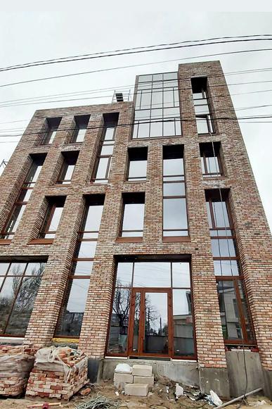 Фасадне скління будівлі